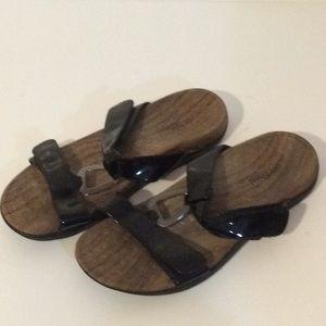 Orthaheel black sandals size 10